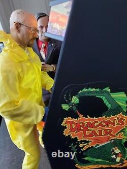 BRAND NEWDragons Lair RepliCade New Wave Toys 1/6 Scale Arcade Machine Cabinet