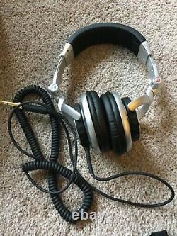 Sony MDR-V700DJ Stereo Headphones with Original Box (Brand NewithMint)